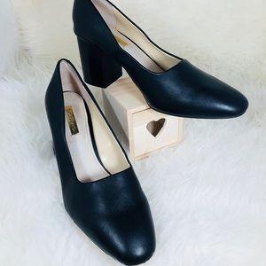 Louise et Cîe Size 9 Zeldia Black heel pump